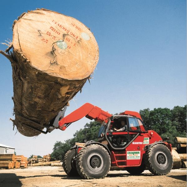 Chariot élévateur télescopique à charge lourde dans le travail du bois